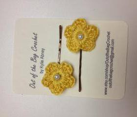 Crochet Flower Bobby Pin Set, Yellow